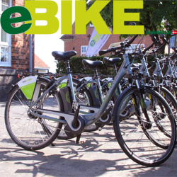 """Oplev en helt ny måde at cykle på! Vi udlejer el-cykler med masser af e-power & med en rækkevidde op til 120 Km so kan du opdage øen på aktiv vis.  Du kan vælge mellem to topmoderne el-cykler """"COMFOR"""